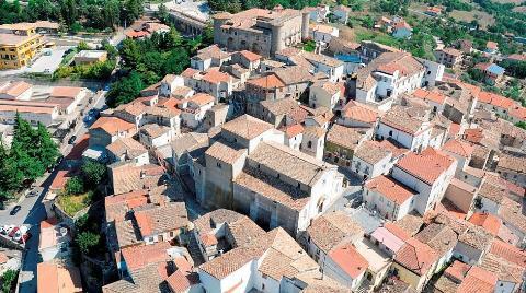 İtalya'da Nasıl 1 Euro'ya Ev Alınıyor?