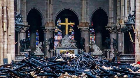 Notre Dame Katedrali Yeniden Yapılacak