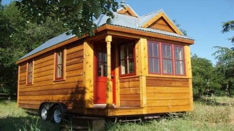 İngiliz Marangoz Çevre Dostu Tekerlekli Ev Yaptı