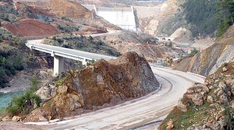 Facia Yaşanan Barajın Kapağı Yine Patladı