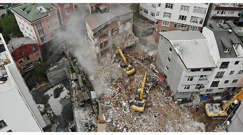 Kağıthane'de Yirmi Dört Binanın Yıkımına Başlandı