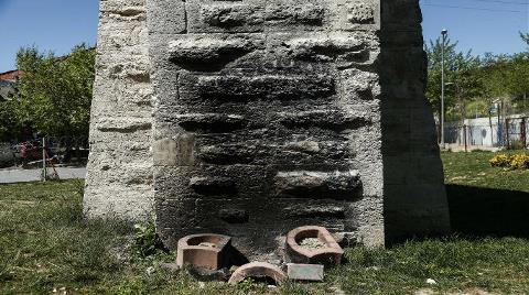 Mimar Sinan Tarafından Yapılan Su Kemerinin Dibinde Ateş Yaktılar