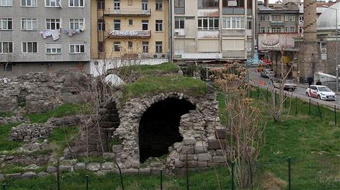 Tarihi Medrese, Harabeye Döndü