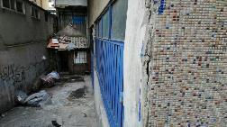 Esenler'de Çatlaklar Oluşan Bina Boşaltıldı