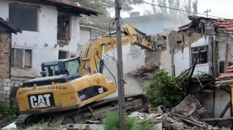 Ankara Altındağ'daki 50 Metruk Bina Yıkıldı