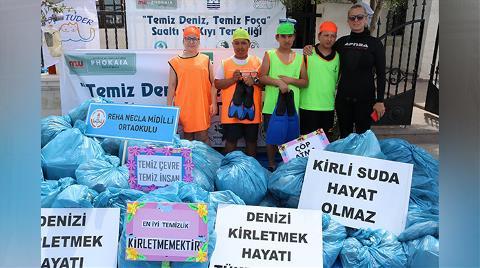 Foça'da, Denizden 1 Ton Çöp Çıkarıldı