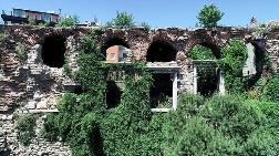16 Asırlık Tarihi İstanbul Surları Tehlike Altında