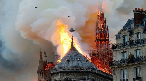 Notre-Dame'da Kaskla İbadet Yapılacak