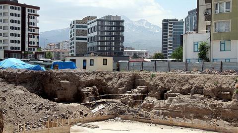 Kayseri'de İnşaat Sırasında Tarihi Kalıntılar Bulundu
