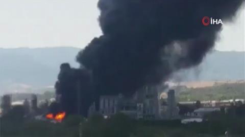 Cebelitarık'ta Rafineri Patladı, Zehirli Duman Tehlikesi Korkuttu