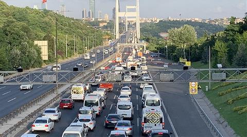 FSM'de 4 Şerit Kapatıldı, Trafik Oluştu