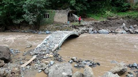 Araklı'da Sadece Tarihi Kemer Köprü Ayakta Kaldı