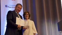 Ahmet Kırman'a Uluslararası Cam Komisyonu'nun Başkanlık Ödülü