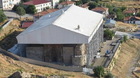 Restorasyonu Süren Divriği Ulu Cami ve Darüşşifası'na Ziyaretçi Akını