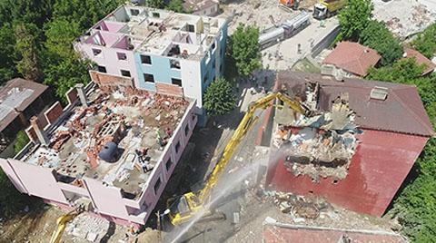 Üsküdar'da Riskli Binaların Yıkımı Sürüyor