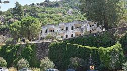 Marmaris'te İki Kamp Tesisi Çürüdü