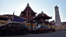 Malezya'nın En Eski Camilerinden Kampung Hulu Mimarisiyle Öne Çıkıyor