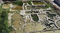 Roma Hamamı Kalıntısındaki Suyun Tahliyesine 'Rögarlar Tıkandı' Açıklaması