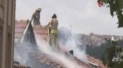 Beyoğlu'nda Çatı Yangını