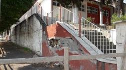 Aylardır Tamir Edilmeyen Okul İstinat Duvarı Tehlike Saçıyor