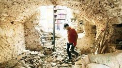 Tarihi Çeşmenin Yapı Taşları Çöpe Atılmış