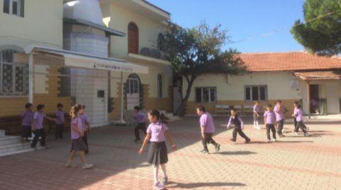 Okul İnşaatı Bitmedi, Eğitim Cami Avlusunda Devam Ediyor