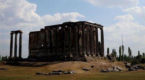 Aizanoi'de Roma Hamamı Kalıntıları Bulundu