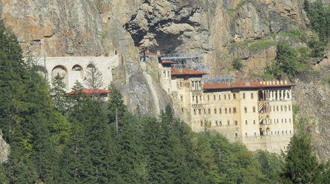 Sümela Manastırı'nda Restorasyon Sürüyor