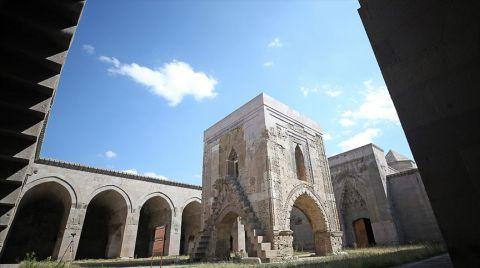Sultanhanı Kervansarayı Kültür Sanat Merkezi Olacak