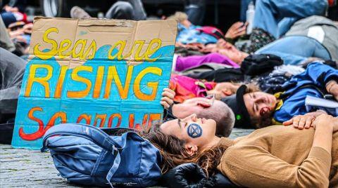 Hollanda'da İklim Değişikliğine Karşı İşgal Eylemleri