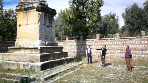 2 Bin Yıllık Dikilitaş'ı Hedef Tahtası Yaptılar