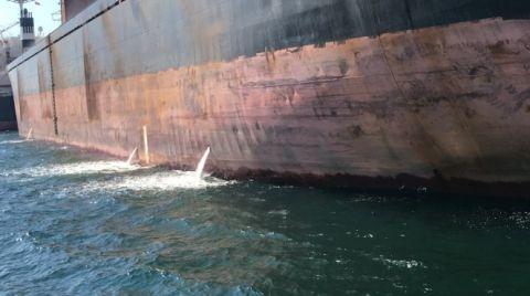 İzmit Körfezi'ni Kirleten Gemiye 1 milyon 772 Bin TL Ceza