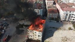 Esenyurt'ta 4 Katlı Binanın Çatısı Yandı