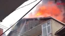 Üsküdar'da Çatı Yangını