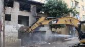 Kartal'da Metruk Bina Yıkıldı