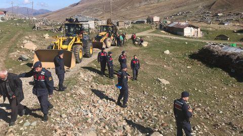 Anzer Yaylası'nda Kaçak Yapılar Yıkılıyor