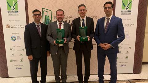 Carrier Orta Doğu'ya İki Ödül Birden