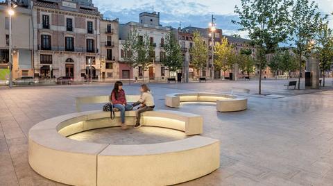 Fibrobeton'dan İspanyol Escofet Şehir Mobilyaları
