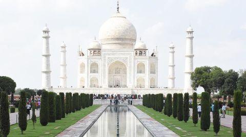 Tac Mahal'in Kapısına Hava Filtreleri Kuruldu