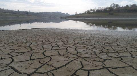 Suyu Çekilen Gölet, Çiftçileri Korkutuyor