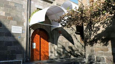 Kayseri'de Camii Kebir'in Kapı Üstlerine Yapılan Tenteler Kaldırılacak