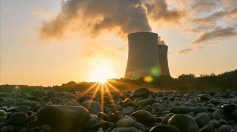 Suudi Arabistan Nükleer Enerjiye Yöneliyor