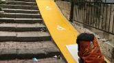 Beyoğlu'nda Apartman Girişlerine Engelli Rampaları Yapıldı