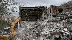 Tahliye Edilen İÜ Diş Hekimliği Fakültesindeki Binalar Yıkılıyor