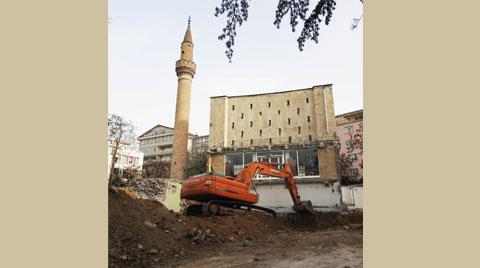 Bükreş Cami'ne Yürütmeyi Durdurma Kararı