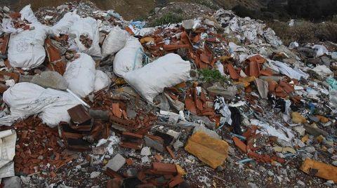 Kaçak Moloz Dökülen Alanda Asbeste Rastlandı