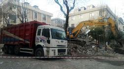 Hasarlı Bina Yıkılırken Sağlam Bina Zarar Gördü
