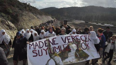 Kumarlar Köyü Kadınları Gölete Karşı Yürüdü