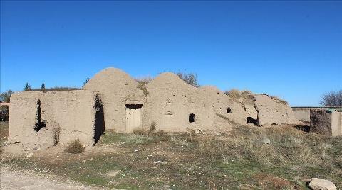 """Şanlıurfa'nın Tarihi """"Kümbet Evleri"""" Turizme Kazandırılacak"""