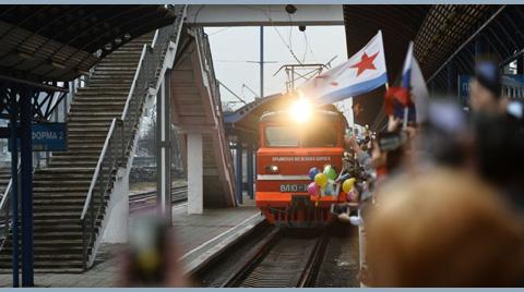 Kırım Köprüsü'nden İlk Tren Geçti